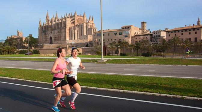 Glückliche Frauen beim 261 Women´s Marathon in Palma de Mallorca