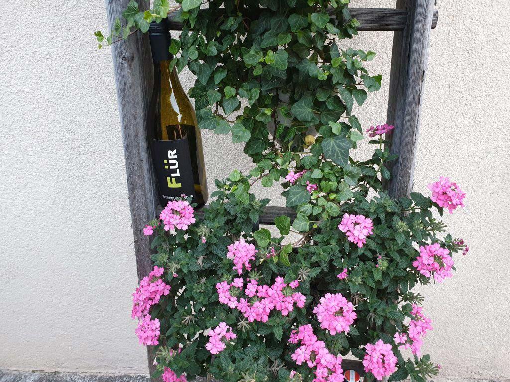 Blumenleiter als Dekoration