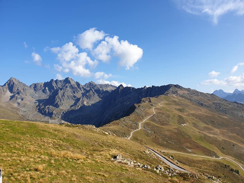 Aussicht auf die umliegenden Berge in Imst.